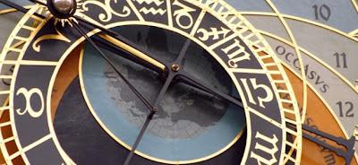 Incrível Projecção na Torre do Relógio Astronómico de Praga