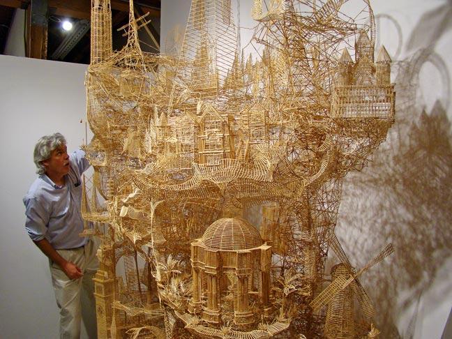 Escultura com 100 Mil Palitos Representa a Cidade de São Francisco