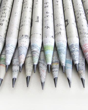 Lápis Feitos de Jornais Velhos