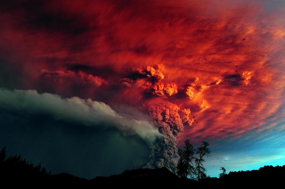 Impressionantes Fotos da Erupção do Vulcão Puyehue