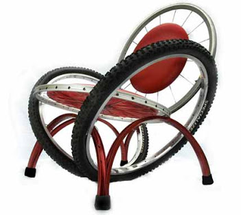 Móveis com Antigas Bicicletas