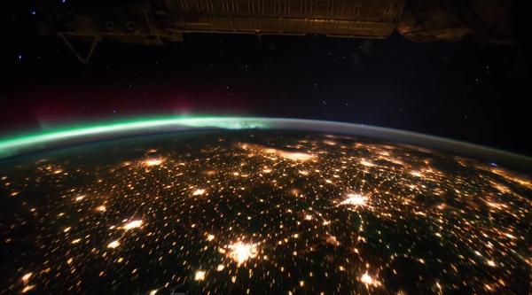 Espectacular Vídeo da Terra Vista do Espaço
