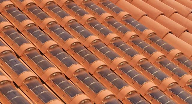 Empresas Desenvolvem Telhas que São também Placas Solares