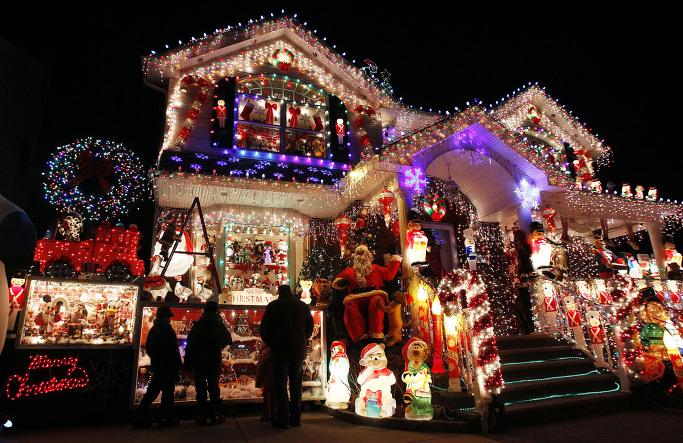 EUA Gastam Mais Eletricidade em Decorações de Natal do que Alguns Países Durante Todo o Ano