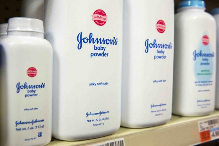 Johnson & Johnson É Processada por Vender Produtos que Causam Cancro