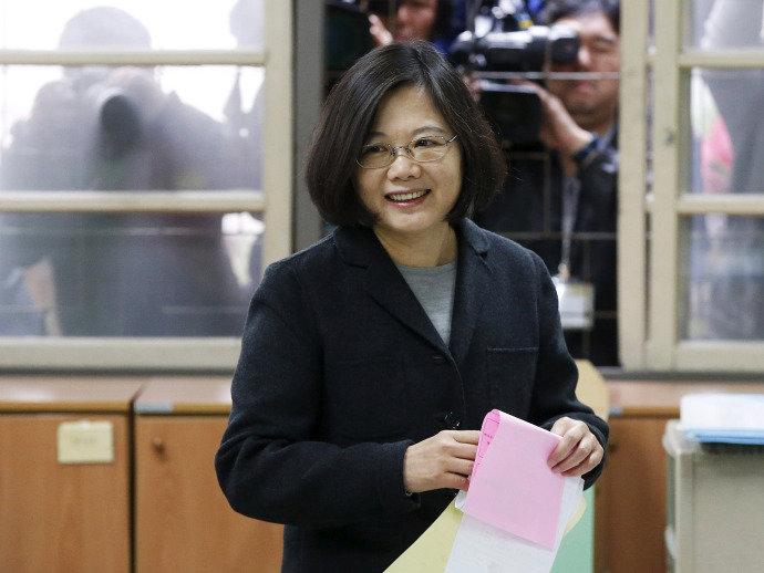 """Presidente de Taiwan é Chamada de """"Extremista"""" por ser Solteira"""