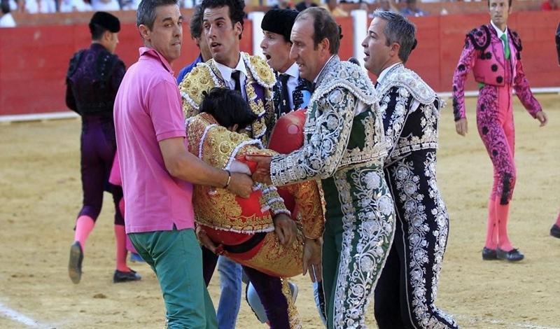 Toureiro espanhol morre em direto na TV