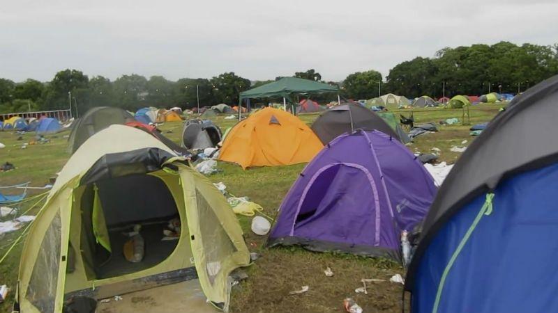 As Tendas Descartáveis dos Festivais de Verão