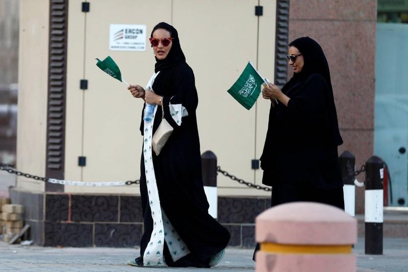 Milhares de mulheres da Arábia Saudita assinam petição pelo fim da tutela masculina