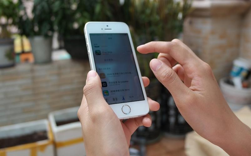 França quer aumentar a reciclagem de telemóveis