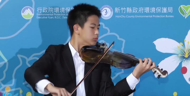 Em Taiwan, transforma-se lixo em combustível e em violinos