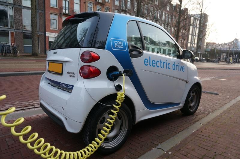 Governo dá subsídio de 2500 euros para carros elétricos