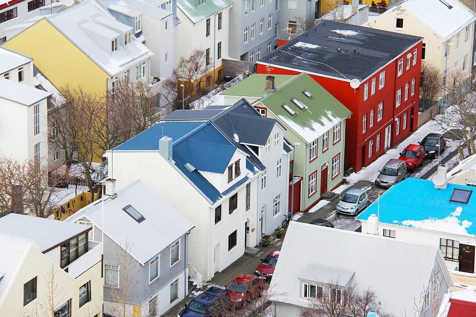 Islândia será 1º país a exigir prova de igualdade salarial às empresas