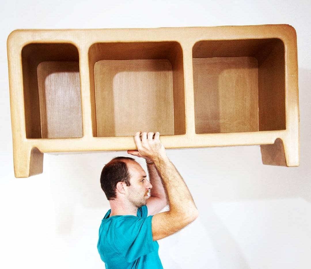 Os incríveis móveis de papelão de Laurent Renaud