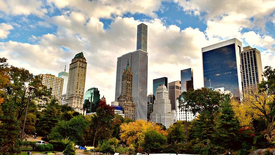 Nova Iorque é o 1º estado dos EUA a oferecer 4 anos de propinas grátis aos universitários