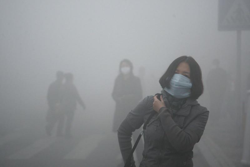 Poluição gerada na China para fabricar produtos para a UE e EUA mata 110 mil chineses por ano
