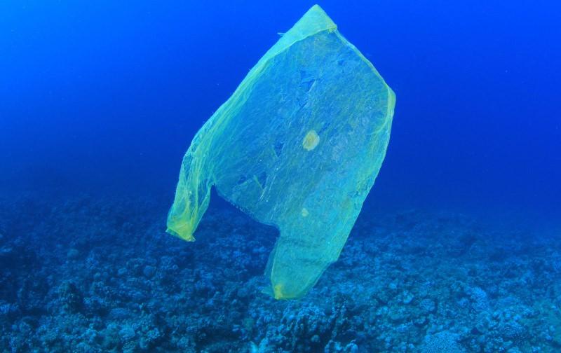 O mar Mediterrâneo também já está cheio de plástico, avisam os cientistas