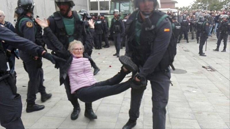 A violência da polícia na Catalunha [vídeos]