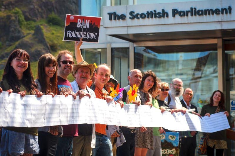 Escócia proíbe fracking após avassaladora oposição do público ao uso desta técnica