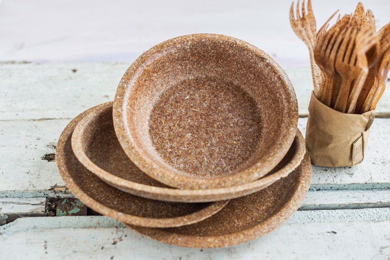 Biotrem quer reduzir o lixo de plástico com estes pratos comestíveis de farelo de trigo