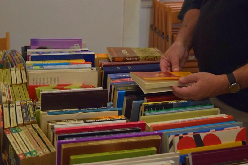 Troque os livros que já não vai ler por outros na Feira do Livro Dado