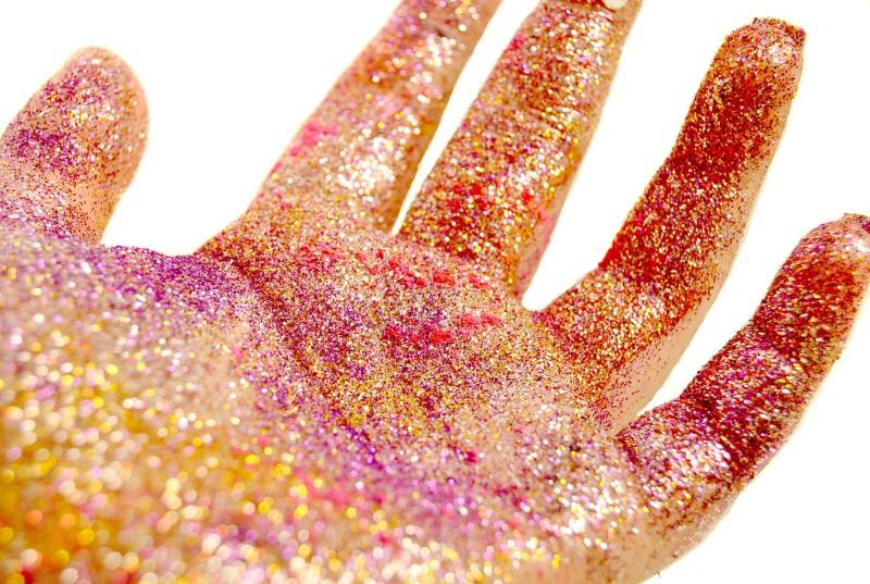 10 marcas brasileiras de glitter e purpurinas biodegradáveis