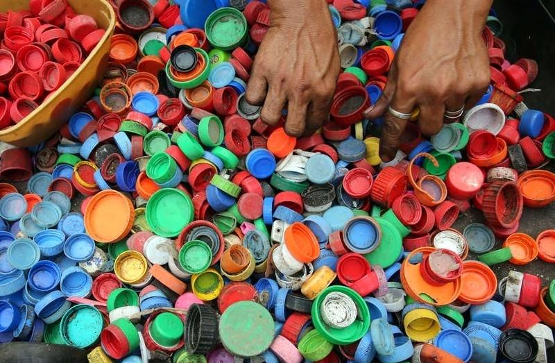 A verdade desconcertante sobre quanto tempo vai permanecer na Terra o plástico que usamos