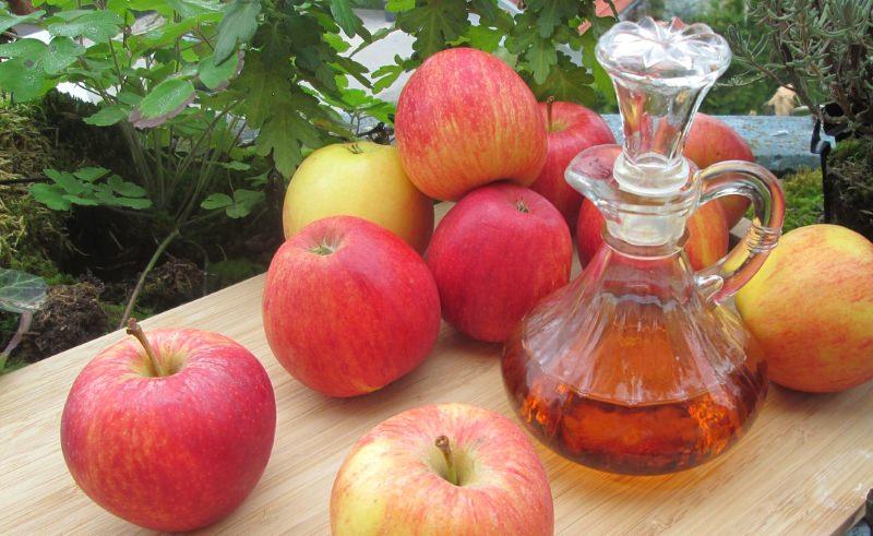 9 Receitas caseiras de vinagres de fruta e de arroz [vídeos]
