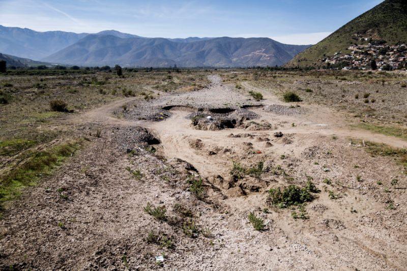 O leito seco do rio La Ligua