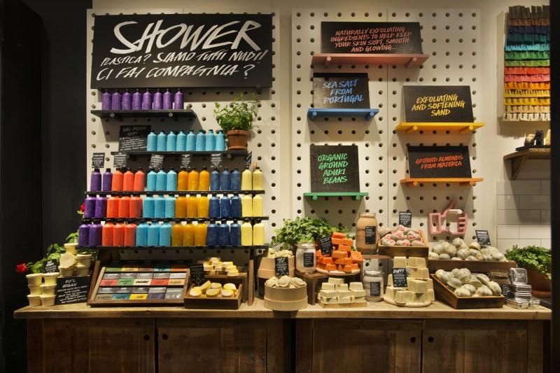 Lush abre a sua primeira loja sem embalagens em Itália