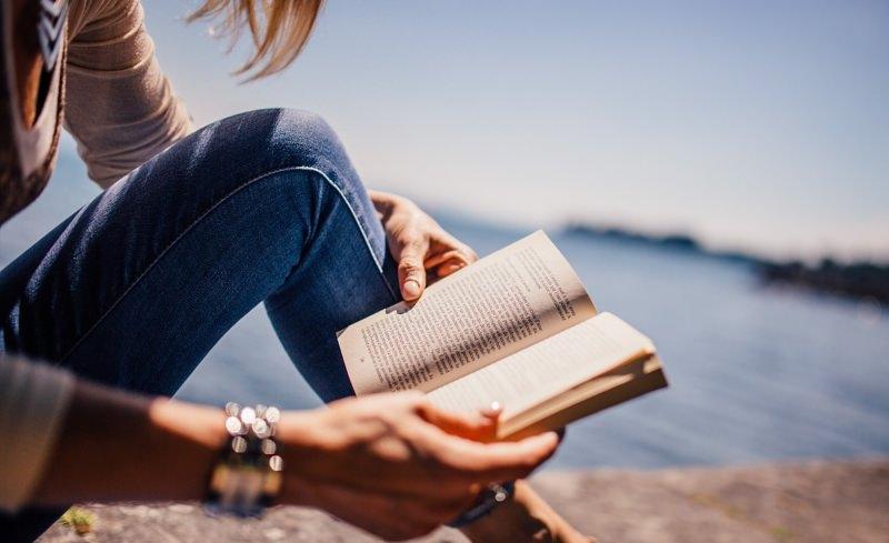 """Procuramos leitores para o nosso novo grupo """"Reciclar Ideias"""" no Goodreads"""