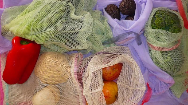 Panos da Vera: Lutar contra os artigos descartáveis do dia-a-dia com uma máquina de costura