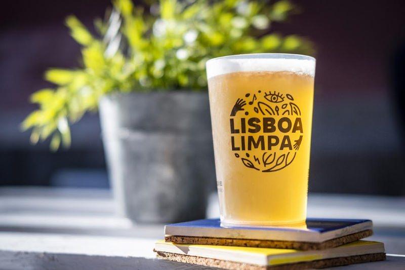 Lisboa Limpa: a associação que quer tirar os copos descartáveis do chão da cidade