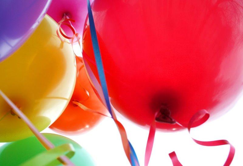 A largada de balões prejudica o ambiente. Conheça 15 alternativas