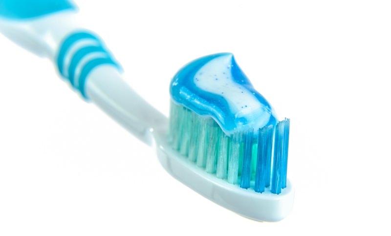 As escovas de dentes podem ser colocadas no contentor amarelo da reciclagem?