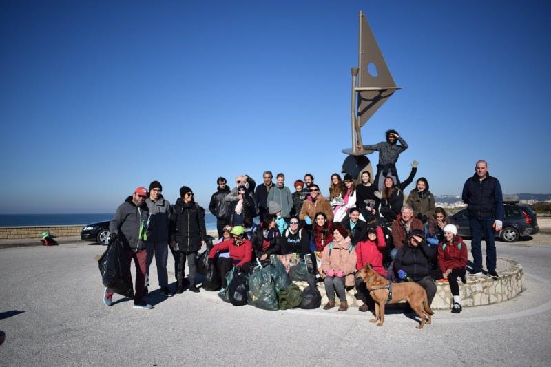 Grupo que limpou a praia