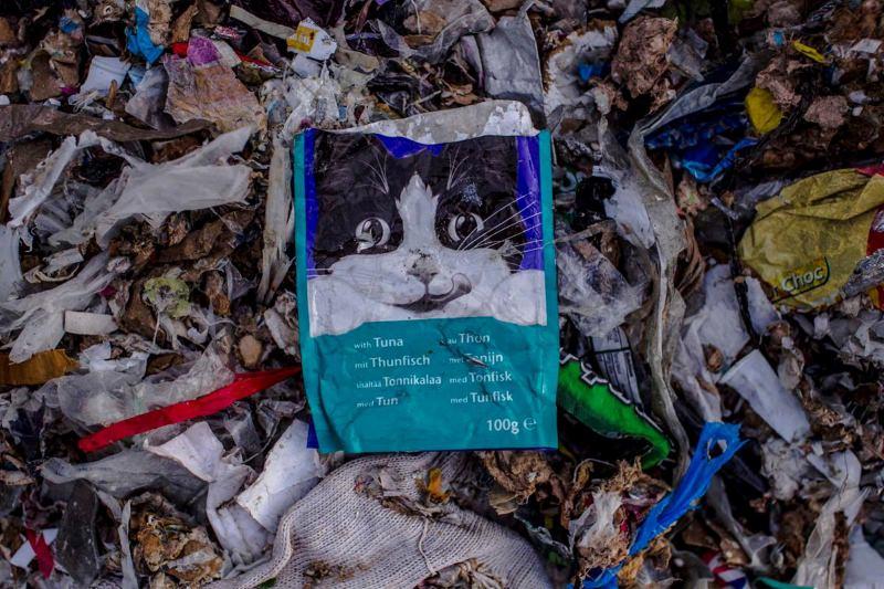 Malásia: Jenjarom a braços com 17 mil toneladas de lixo