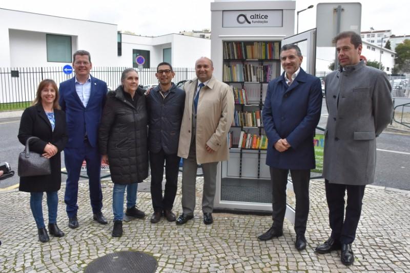 """Torres Vedras inaugura Cabine de Leitura com o mote """"Levar, doar, ler, devolver"""""""