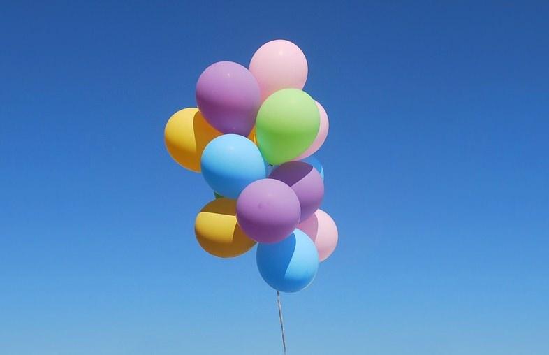 Gibraltar proíbe largada de balões de hélio para proteger animais marinhos