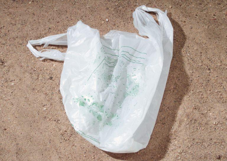 Tanzânia proíbe os sacos de plástico de uso único