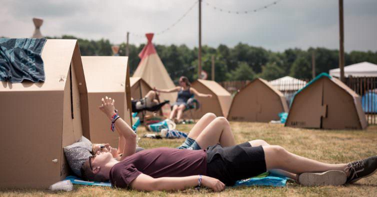 MEO Sudoeste e Super Bock Super Rock vão ter tendas ecológicas de cartão este ano