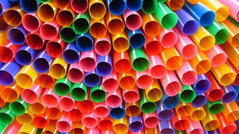 UE aprovou proibição de palhinhas, cotonetes e outros plásticos até 2021