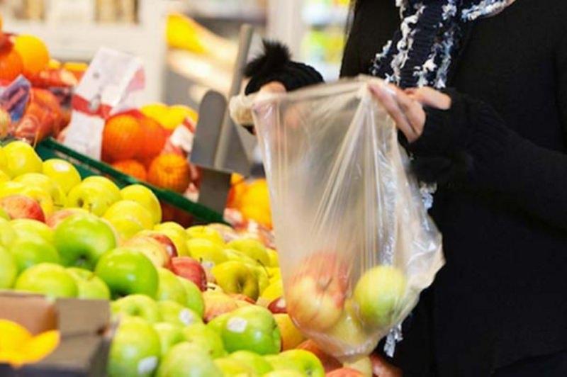 Sacos de plástico para fruta e legumes vão ser proibidos em 2023
