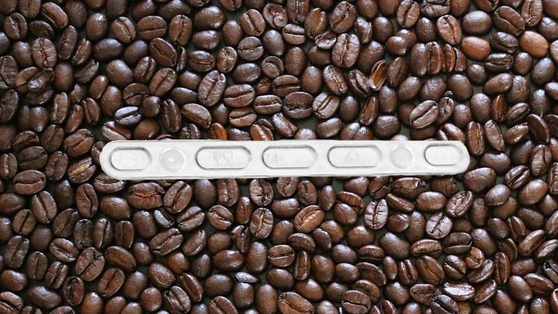 As palhetas de plástico para mexer o café podem ser colocadas no ecoponto amarelo?