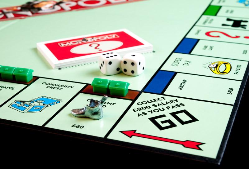 Hasbro vai remover embalagens de plástico do Monopólio e outros jogos e brinquedos