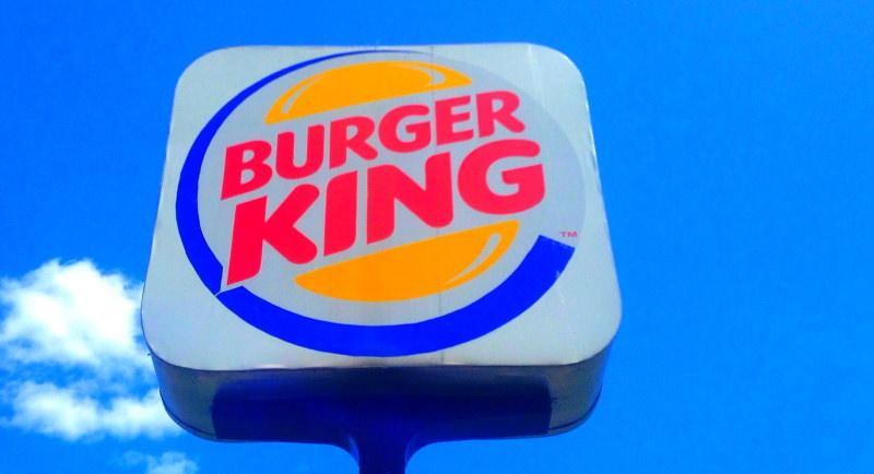 Burger King deixa de oferecer brinquedos de plástico nos menus infantis do Reino Unido