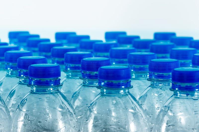 ISEP deixou de vender garrafas de água de plástico