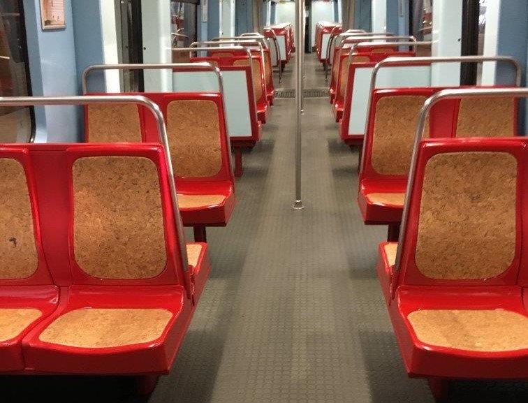 Metro de Lisboa vai ter bancos revestidos com cortiça
