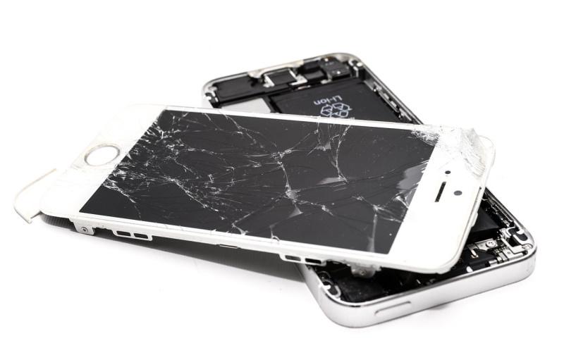 """Bruxelas aprova """"direito à reparação"""" de produtos eletrónicos"""