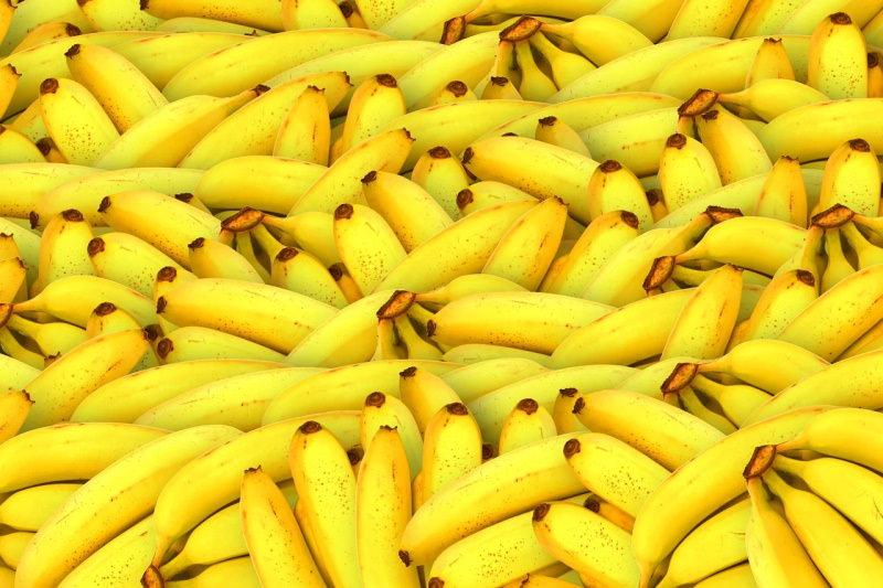 Cascas de banana são altamente eficazes a limpar águas com metais pesados